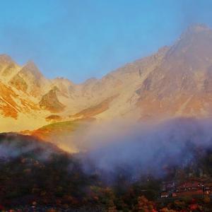 錦秋の涸沢カール 下山の朝