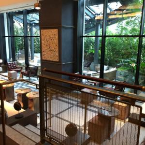 新宿 KINPTON(キンプトン)ホテルのカフェとレストラン訪問
