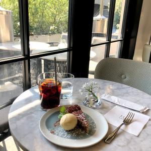【表参道カフェ】ELLE cafe青山はテラス席もある オシャレなカフェ