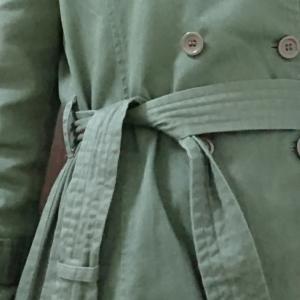 学生の頃の疑問「コートのベルトは、どうやって使えばいい??」~裏話