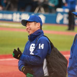 年俸提示ではなく、来年のモチベーションをあげるのも球団の仕事では?田島と谷元に25%の減額提示だけ??