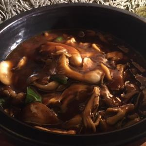 鉄鍋キノコご飯