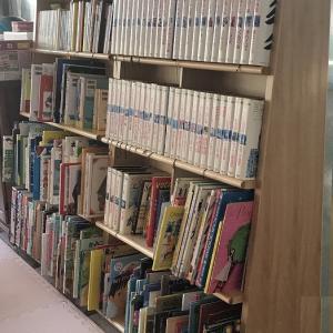 子供の家具: 本棚
