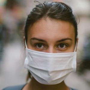 マスクは有効? ウイルスの感染拡大を防ぐには