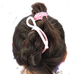 ゴムだけで出来る子供のヘアアレンジ〜三つ編みアップ