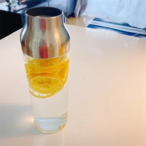 お洒落なレモン水の作り方