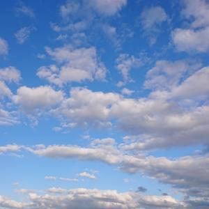 青い空はコートの準備