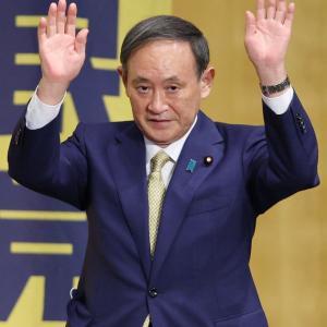 菅義偉「こんなに優しい官房長官はいない」、意味不明な自画自賛をしてしまうwww