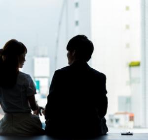 政府「助けて!若者が結婚しなさ過ぎてこのままじゃ日本が終わる!」