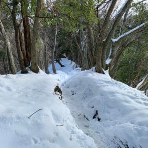 雪の霊仙山
