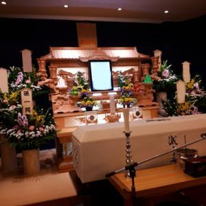 義父の葬儀で義母と夫が衝突!認知症っぽかったけど家を建てて別居しました