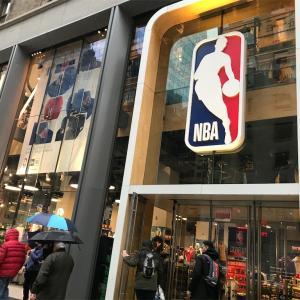 【ニューヨーク】バスケファンにお勧め!限定グッズも見つかる、NBAストア