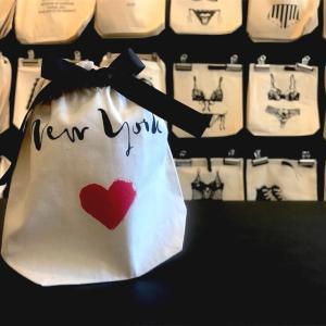 【ニューヨーク】キュートなギフトバッグストア,Bag-all 名前を入れて特別な贈り物に❤︎