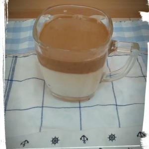 ダルゴナコーヒーと自家製ホットケーキミックス❗️