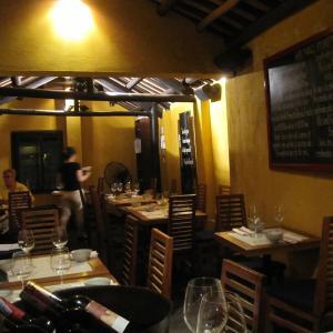 【ホイアン】ホイアンでは貴重なクーラーのあるレストラン!White Marble Restaurant