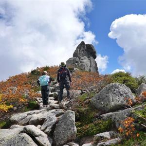 金峰山、山頂に聳える迫力の五丈石!(2019.10.6)