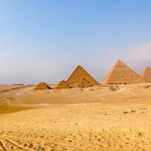 ギザの三大ピラミッド(ギザ/エジプト) 〈メンフィスとその墓地遺跡〉