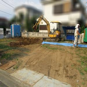 一般的な木造2階建て。庭付き戸建て住宅の解体費用、我が家の場合