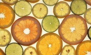 なんで、レモンじゃなくてオレンジと言うの?「あなたは、私のオレンジの片割れ」