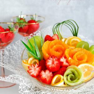 深皿にフルーツを盛り付ける!