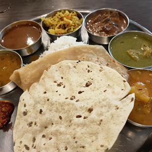 アーンドラ・ダイニング銀座(インド料理/銀座)味のバランスがいいランチミール