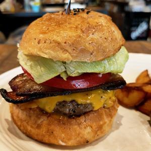 マンチズ バーガー シャック(ハンバーガー/芝公園)バンズから具材まで完成度が高いハンバーガー