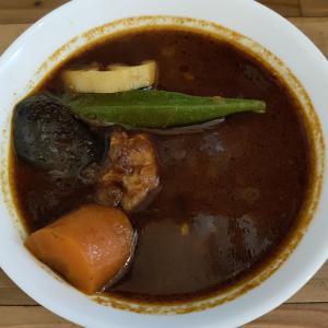 ビストロべっぴん舎(カレー/御茶ノ水)ガツンと辛い黒のべっぴんカシミールカリー