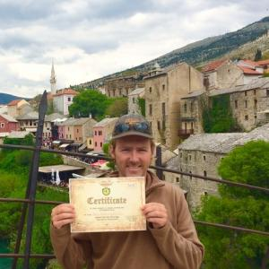 世界遺産24mの橋からジャンプし賞状獲得!