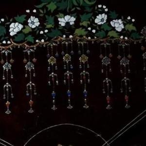 「普賢菩薩像」 天蓋と花を描く。。