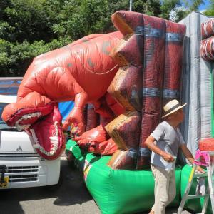 クタクタの恐竜に栄養補給