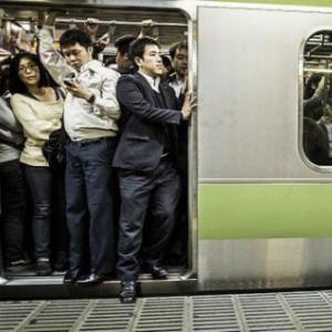 満員電車ワイ「降ります!降りまぁす!降りまぁああす!」