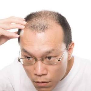 散髪の仕上がりをめぐってトラブルを起こしていた70代男性、ついに店を破壊し逮捕される