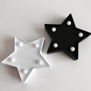 セリアの星型マーキーライトがおしゃれ。キャンドゥの星型ライトとの比較