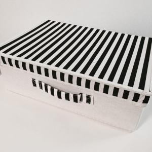 3COINSのフタ付き収納ボックスがカラーボックスにぴったり