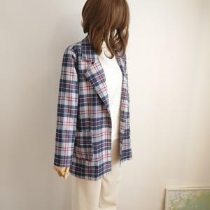 軽く羽織れる、レトロ格子のスプリングコート三点