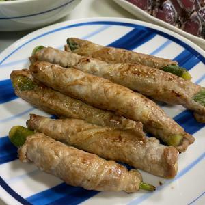 おつまみ夜ごはん☆オクラ肉巻き焼き、焼き魚、サラダ、鰹たたき、海鞘♡