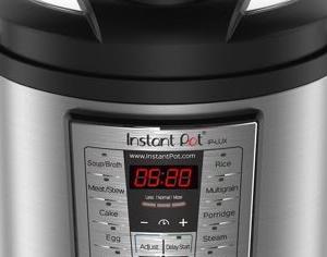 Walmart - Instant Pot Lux 8-Qt Pressure Cookerが$59