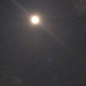 中秋名月、8年ぶりの満月
