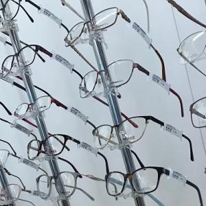 次女の視力低下、新しい眼鏡にするかコンタクトにするか迷う