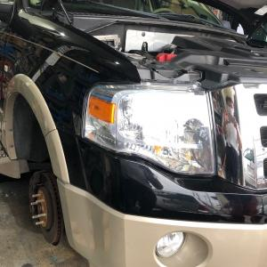 フォードエクスペディション車検入庫!大阪府、奈良県、京都府、兵庫県、フォード修理