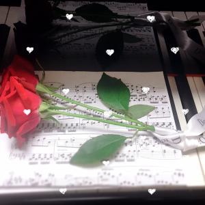 ピアノ写真シリーズ✨ピアノと花6