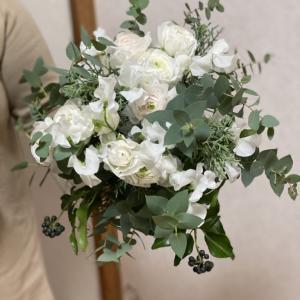 冬のブーケ〜ラナンキュラスとスイートピー春のお花を使って