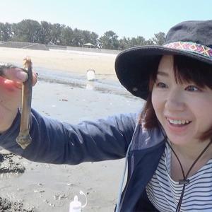 はじめてのマテ貝採りに挑戦!【マテ貝採りのやり方】