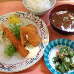 月曜日はイカとエビのフライ 火曜日は唐揚げ丼 九州方面台風8号 お見舞い申し上げます