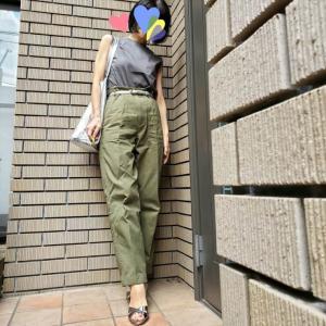 残暑の日 アーシーカラーで見た目秋コーデ アラカンが着るユニクロ96