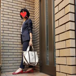 PLSTの人気素材リネンブレンドのスーツで外仕事へ