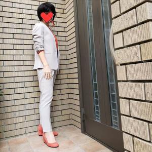 お仕事スーツにはエクストラファインメリノで色を差す