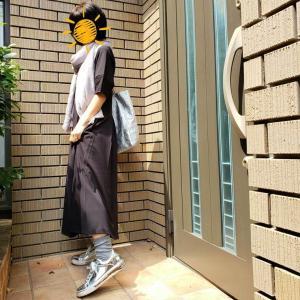 ブラックロングワンピースを大人らしくカジュアルに着る!【PLSTのワンピを使って】