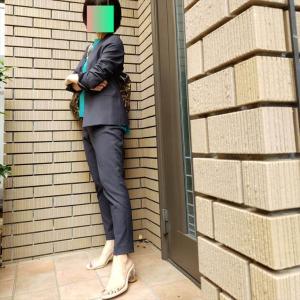 スティックパンツスーツをクリアサンダルでハズす!【plstリネンブレンドスーツで5DAYS②】