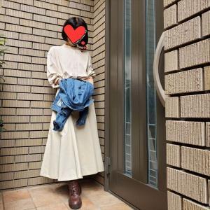 【セットアップ風】ユニクロUコットンツイルフレアスカートに同色ブラウスを合わせて